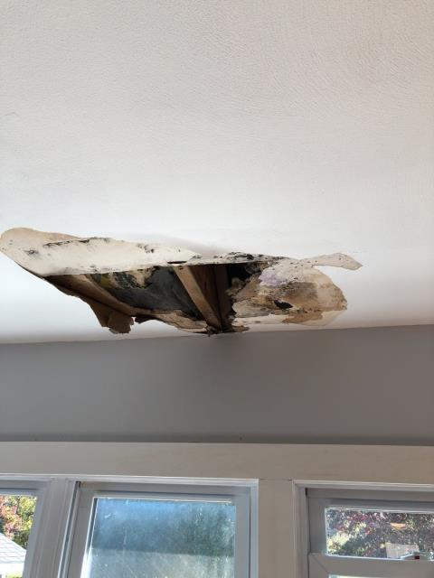 Stonington, CT - This home in Pawcatuck Ct had several Roof leaks after heavy rain. Drywall ceiling needs to be repaired. Roof repair is also needed.