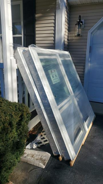 South Kingstown, RI - Our window installation crew is on site in South Kingstown RI today starting another replacement Window project. Using Harvey Vinyl Replacement windows to replace the old fogged out windows that are drafty.