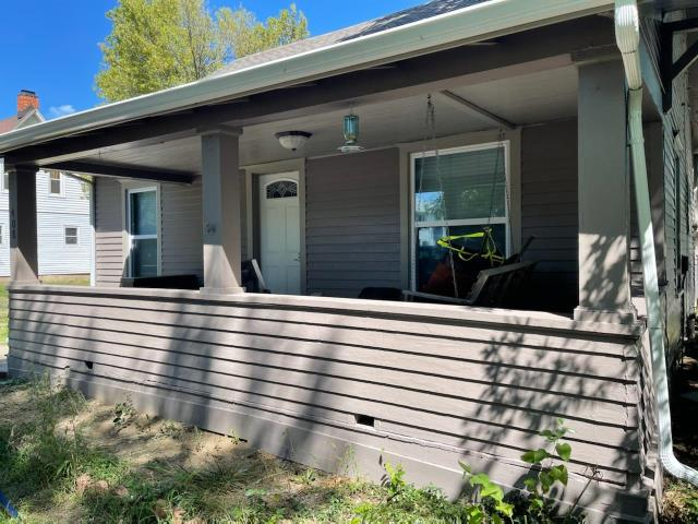 Mankato, KS - Client called to hire us to paint the exterior of his home. We provided a free estimate to him, and are getting started on the job today.