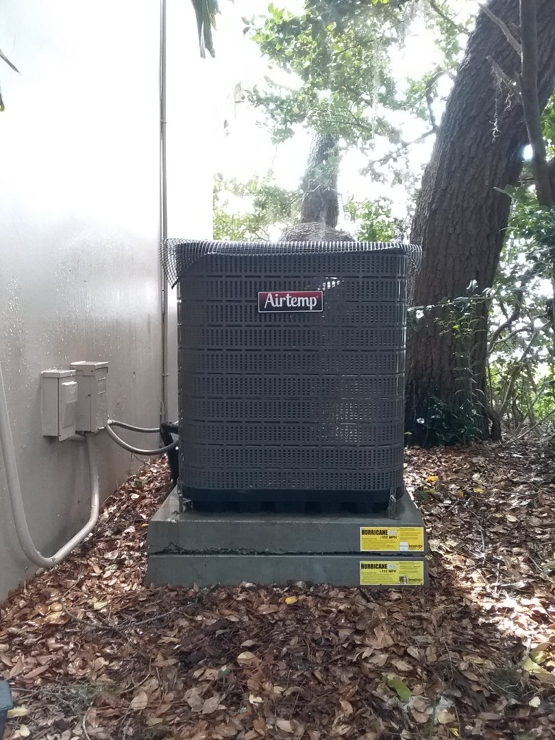 Clearwater, FL - Routine maintenance on a 3 ton air temp straight cool air conditioning system