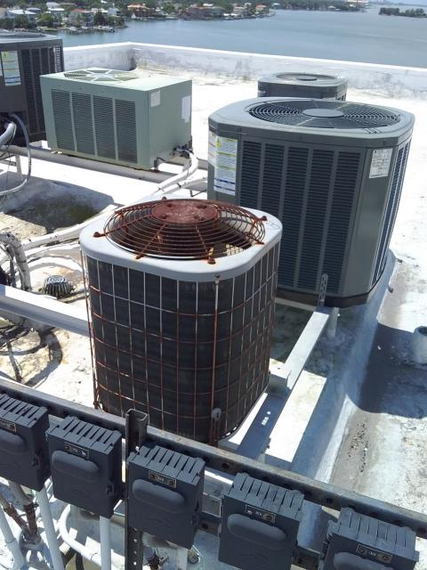Dunedin, FL - 5/10/19- Our Team Member and Field Operations Manager, Daniel Ficca provided a detailed free estimate for a 16 seer 2 ton Franklin straight cool split system to replace rooftop system overlooking the water with 10 year parts and 10 year labor coverage.