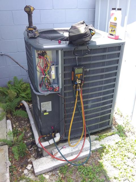 Tampa, FL - Our maintenance technician Ben, perform maintenance an A/C preventative maintenance inspection and replaced one-year UV bulb.