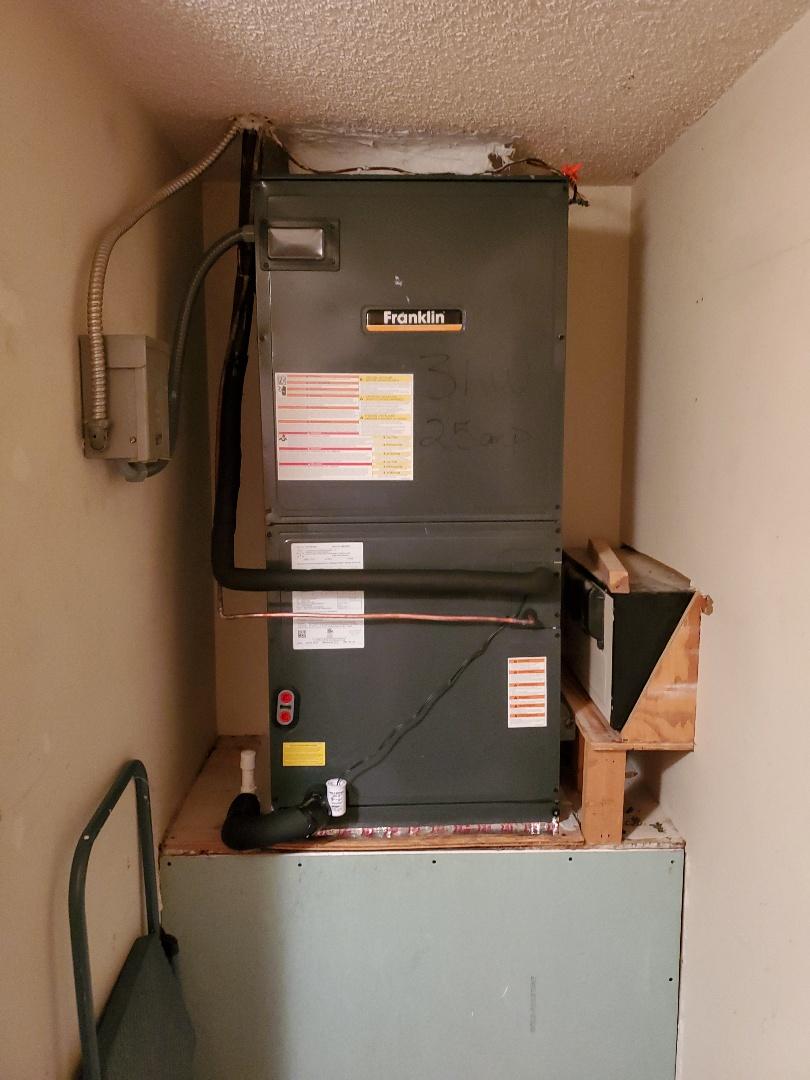 St. Petersburg, FL - New 16 seer Franklin 3.5 ton heat pump split system installed