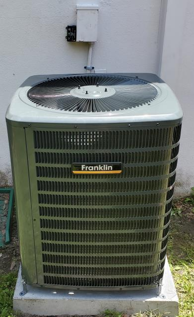 Palm Harbor, FL - On 7/15/19 our Install team including both Daniel and Rex Installed a 2.5 ton Single Stage Driven 16 SEER A/C with electric heat system installed to comprehensive Sevens Standards complete with our outstanding 1 year Buy it Back Guarantee; Comfort Guarantee; 1 year Break down Free Guarantee; 1 year VIP maintenance; 10 year parts and labor warranty as well as performed the relocation of the thermostat from kitchen to living room for our valued customers.