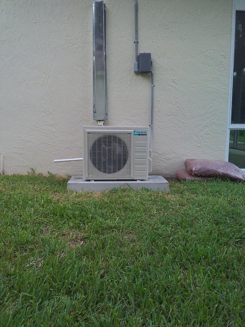 Palm Harbor, FL - Installation of a 17 seer Daikin heat pump 1 ton mini split.
