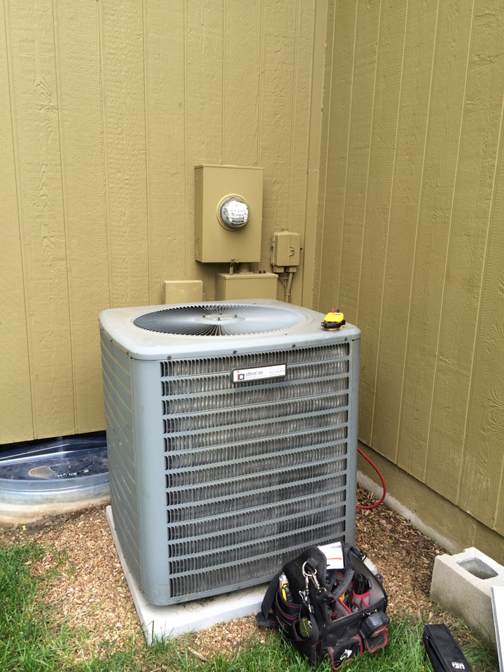 Shawnee, KS - Performed tune up on 2008 Goodman air conditioner. Tested our 22 Freon temperatures and pressures. Checked filter and airflow. Tested electrical components. Washed outside unit.