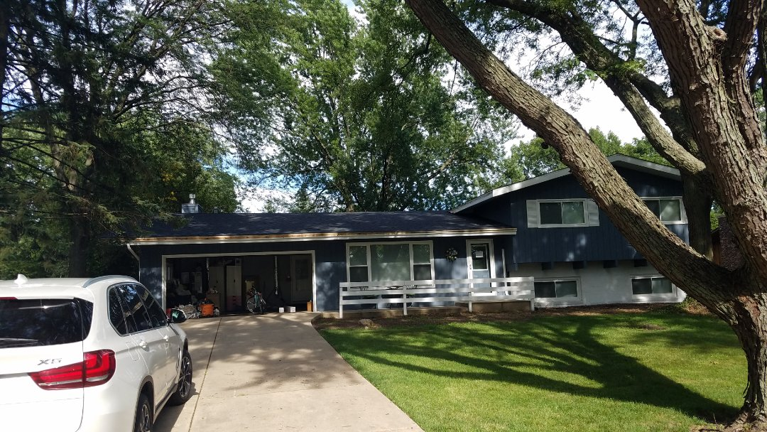 Roselle, IL - Finished roof projects in Roselle on Pearson Drive