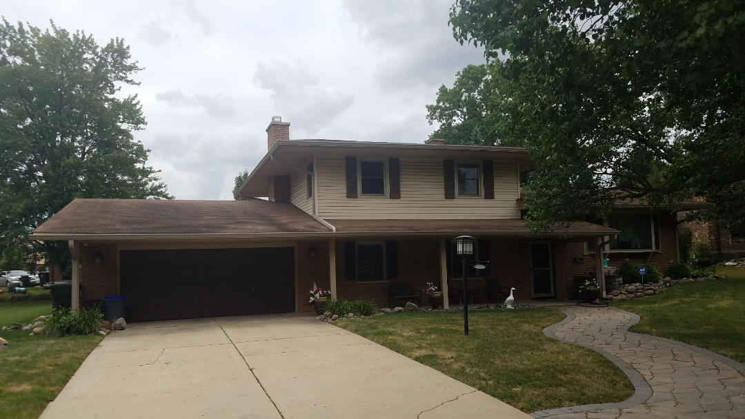 Arlington Heights, IL - Roof siding and metals estimate in Arlington Heights on Briarwood