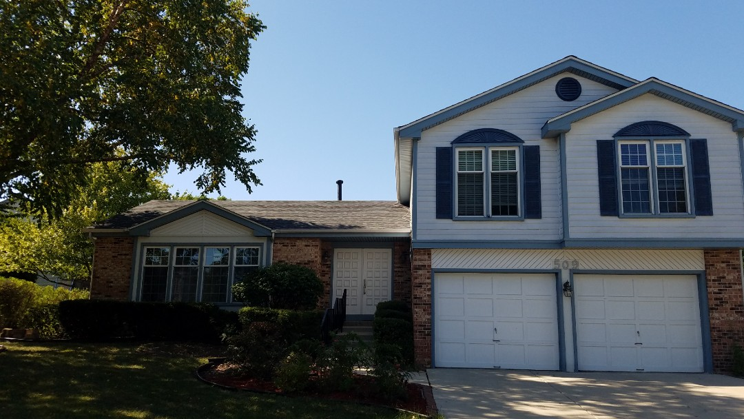 Schaumburg, IL - Final inspection for roofing project in Schaumburg on Kenilworth Drive