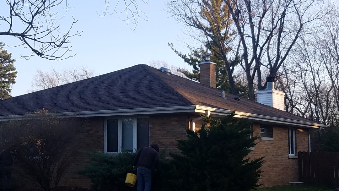 Bloomingdale, IL - Roofing project complete in Bloomingdale on East Schick Road House in garage complete