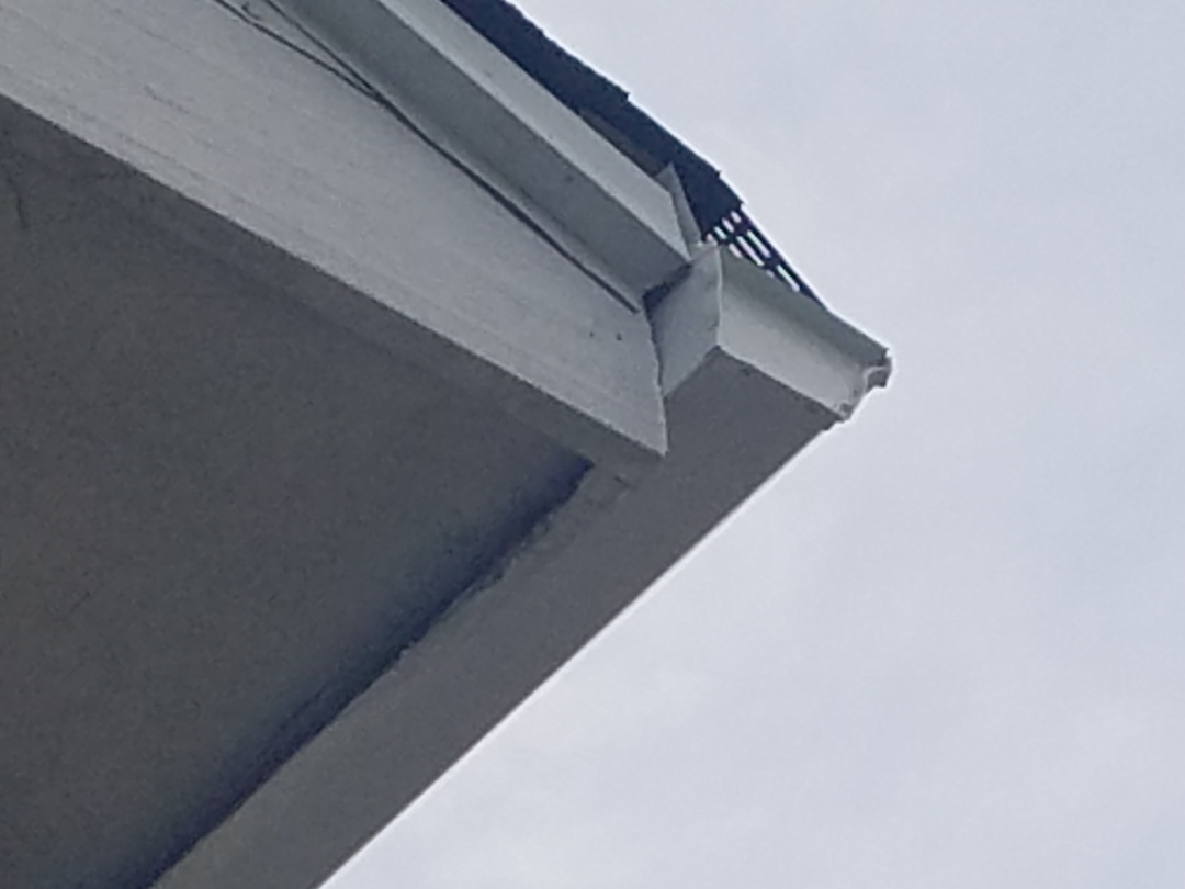 Hoffman Estates, IL - New gutters and downspouts and leaf guard installation complete in Hoffman Estates on Mayfield Lane