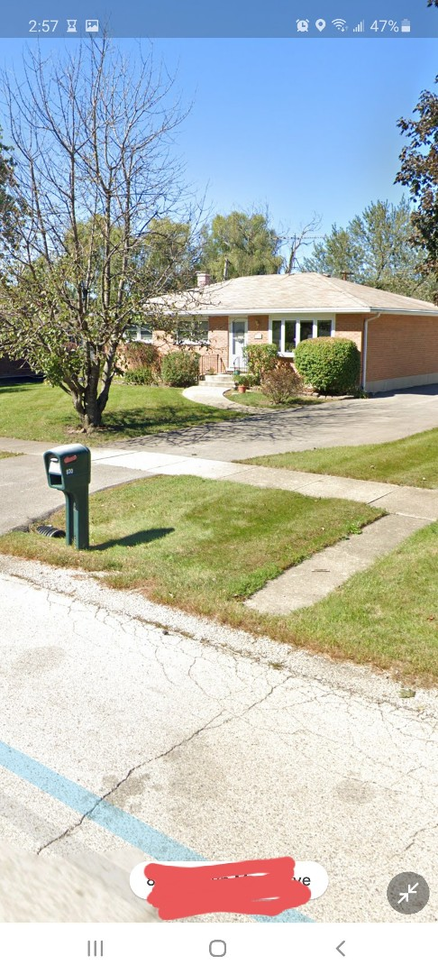 Roselle, IL - Is finalising agreement on house roof replacement and detached garage roof replacement in Roseau on brendmar Avenue