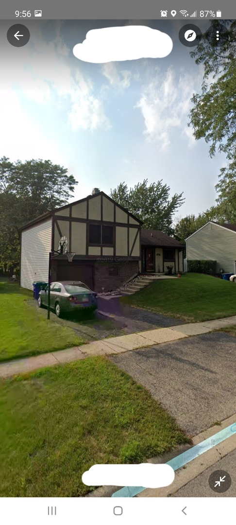 Bartlett, IL - Doing a complimentary roof insp for former client who wants to establish overall control of roof after several wind events in the Bartlett area. Grant Street in Bartlett.