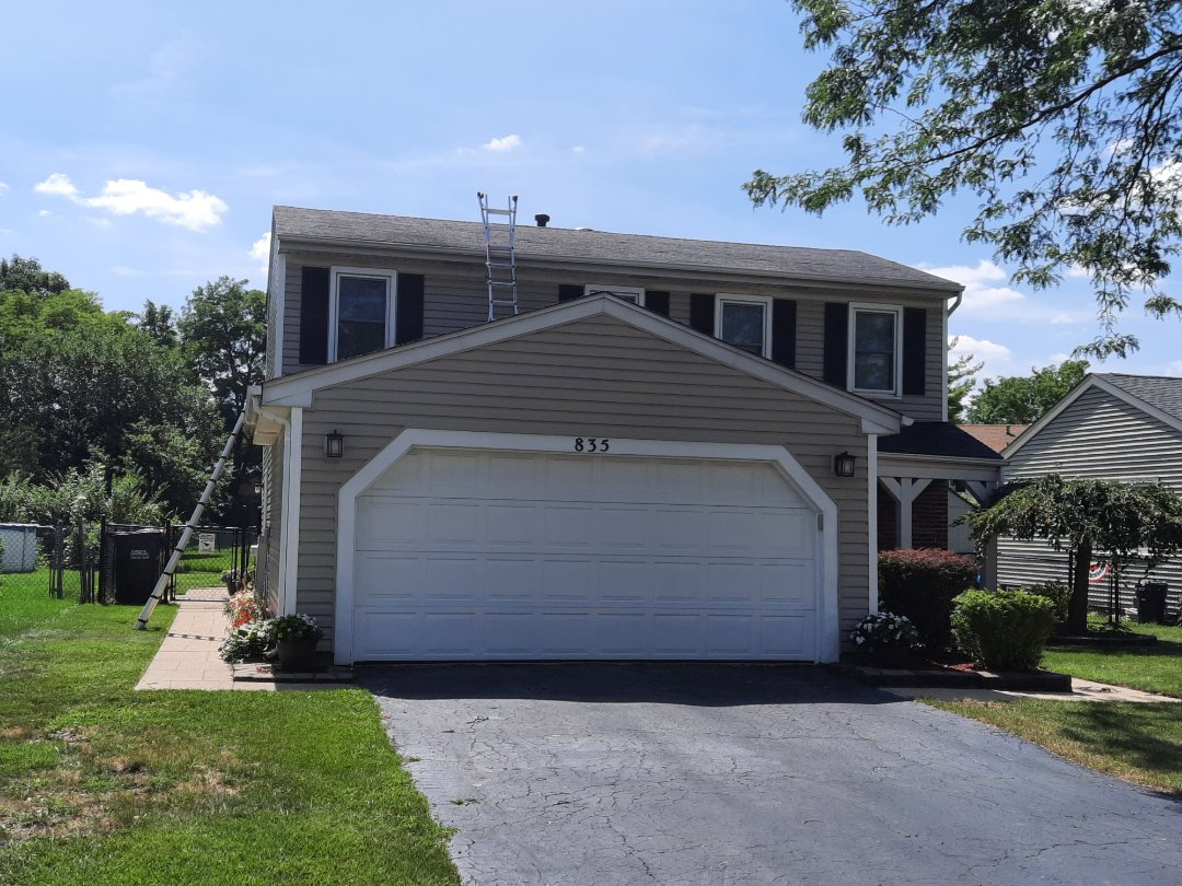Roselle, IL - Roof replacement commencing in Roselle on Bryn Mawr Ave