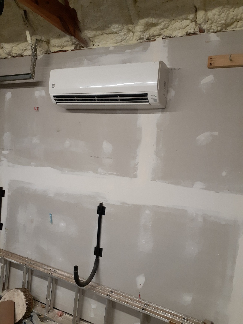 Houston, TX - 2 ton mini split  Air conditioned space