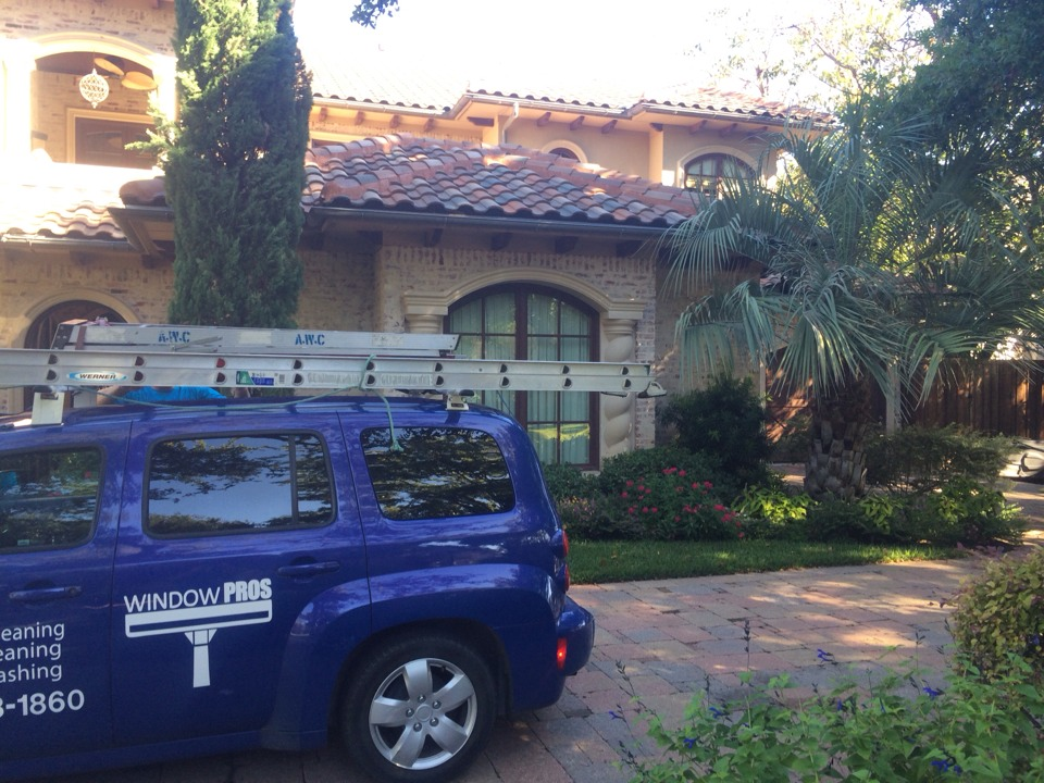 Dallas, TX - Window cleaning