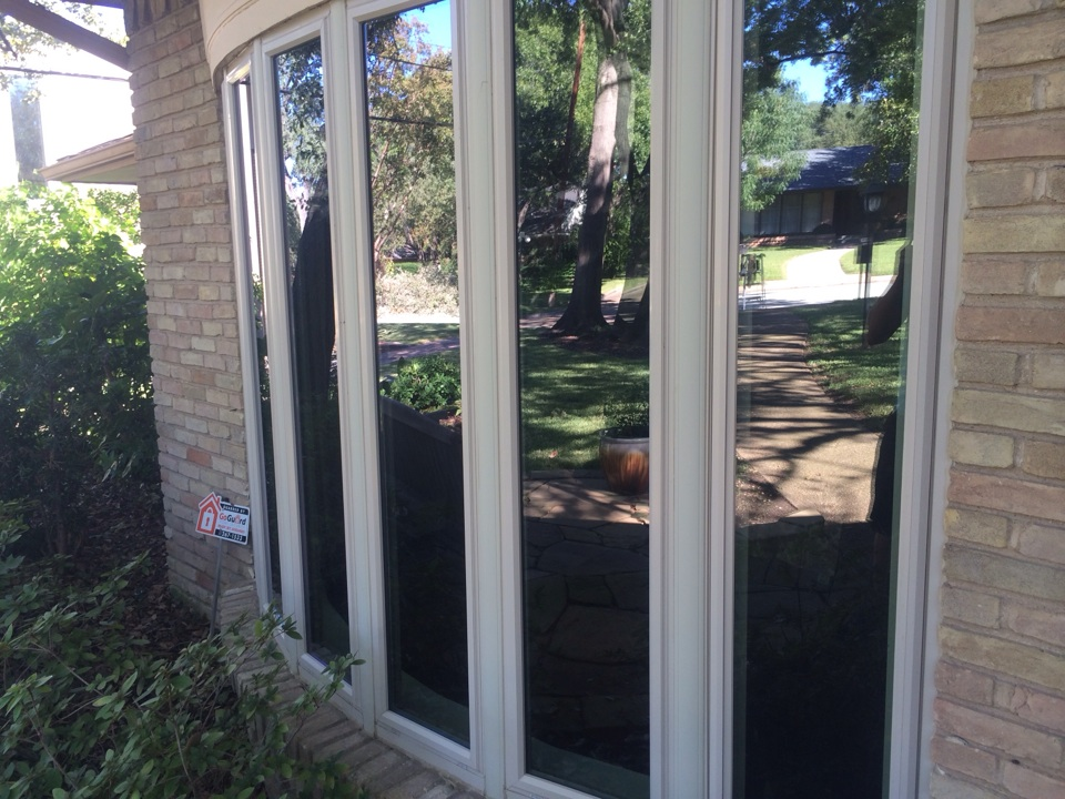 Dallas, TX - Window cleaning and gutter cleaning