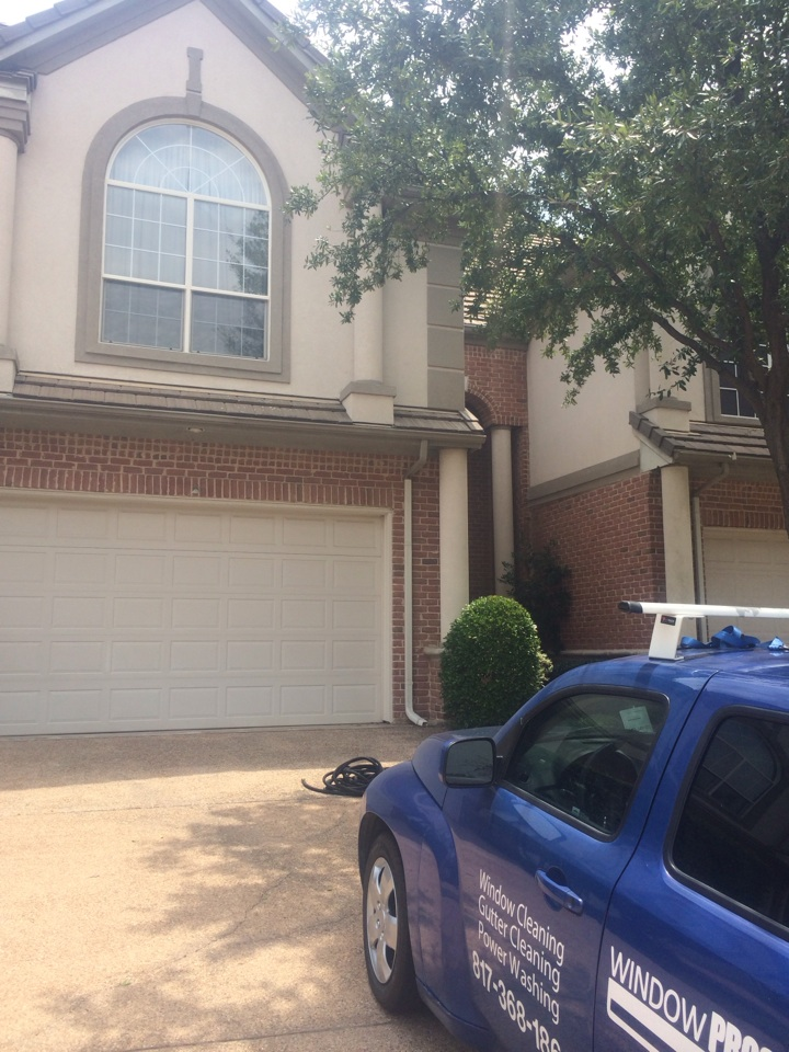 Irving, TX - Window cleaning