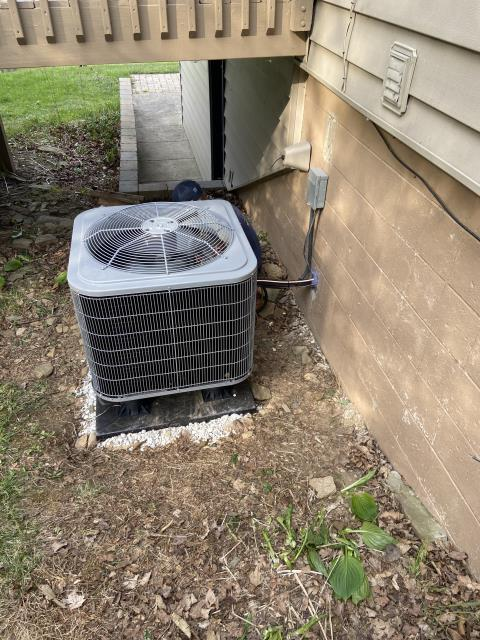 """Granville, OH - I went to customer's home to do an inspection for the installation of a Carrier Multi-Speed X-13 3 Ton Electric Furnace , and a """"Slant"""" Coil Carrier 14 SEER 3 Ton Heat Pump.  Both systems were fully operational when I left."""