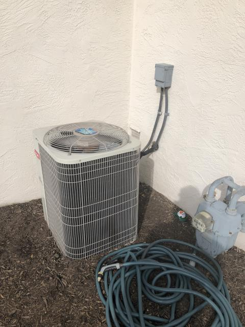 Groveport, OH - I performed a tune up and safety check on a  Carrier 13 SEER 3 Ton Air Conditioner.  I found no issues and the system was fully operational upon my departure.