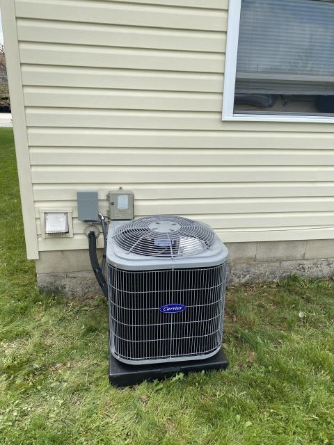 Delaware, OH - I completed an installation inspection on a I completed an installation inspection on a 45,000 BTU Gas Furnace and a Carrier 13 SEER 2 Ton Air Conditioner. Completed installation checklist.  Cycled and monitored the systems.  Operating normally at this time.