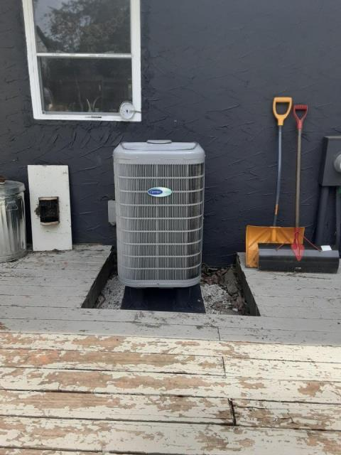 """Pataskala, OH - I completed a return service for a Carrier """"Infinity Series"""" 18 SEER Variable-Speed 2 Ton Heat Pump. I let the customer know that the unit is operating properly."""