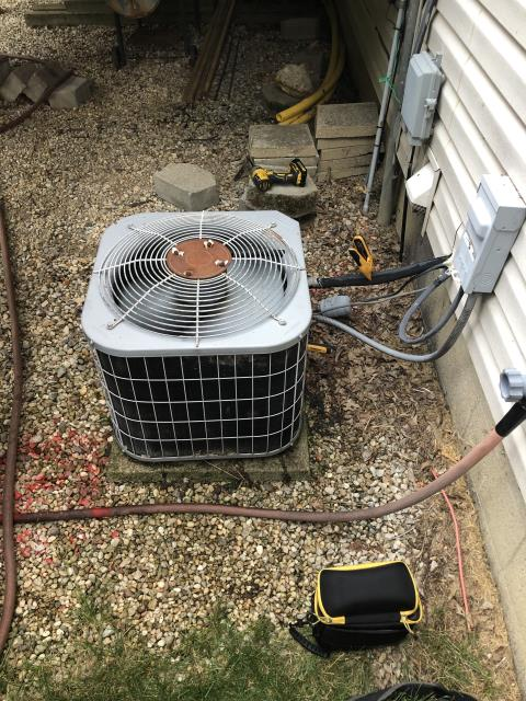 Pickerington, OH - I arrived on site to perform an installation of a Five Star 13 SEER 2.5 Ton Air Conditioner, as it was the best fit for the customers home. The installation was successful and the unit was running at full functionality at the time of departure.