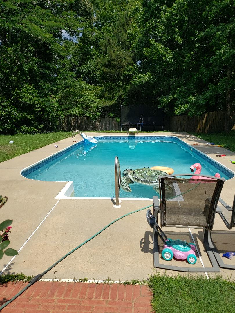 113 shady oaks Prattville Alabama home for sale. Loving this pool!!!