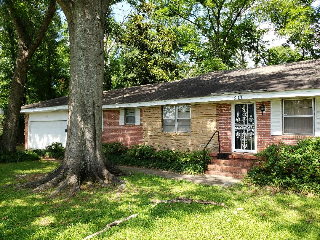 Montgomery, AL - Home for sale at 1935 S. Court st. Montgomery Alabama