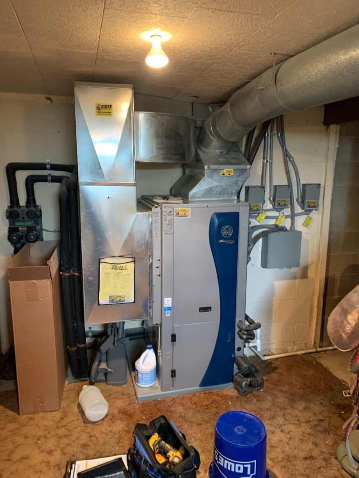 Routine maintenance on water furnace geothermal