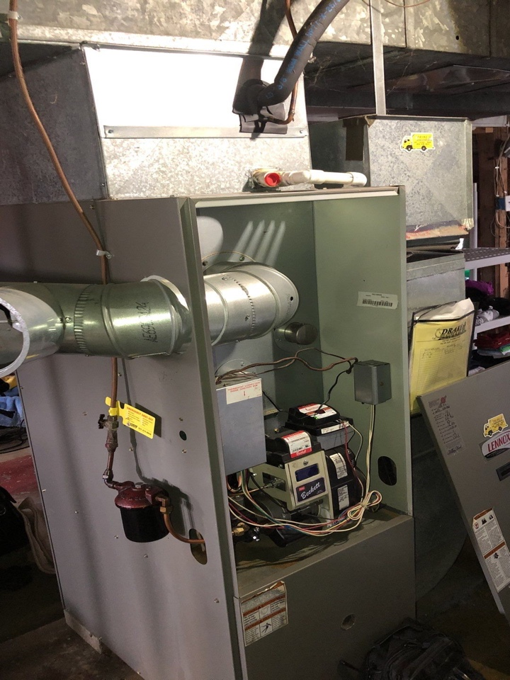 Dayton, OH - Lennox oil furnace foy