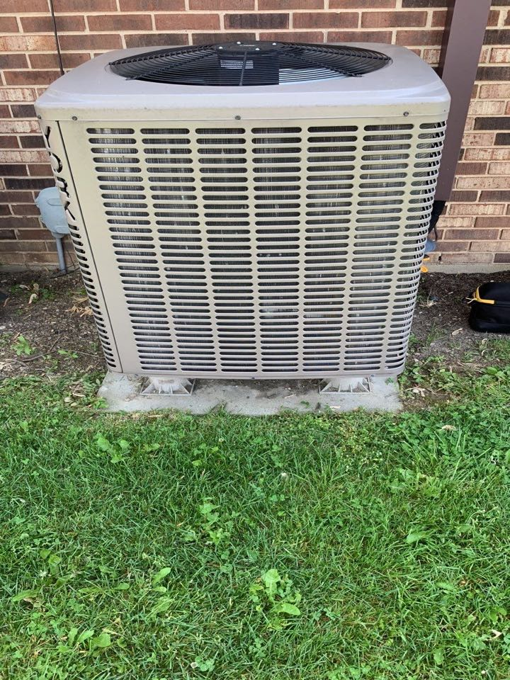 New Lebanon, OH - Perform fountain of youth service on York heat pump.