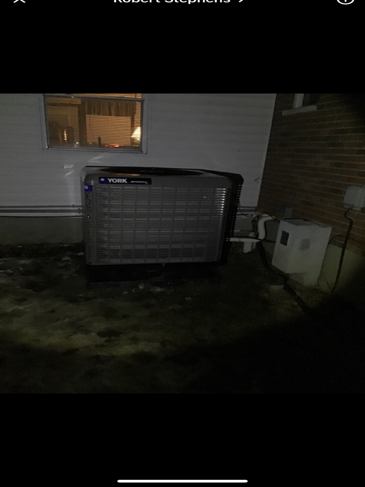 New Lebanon, OH - Performed fountain of youth service on York Ac side of heatpump.