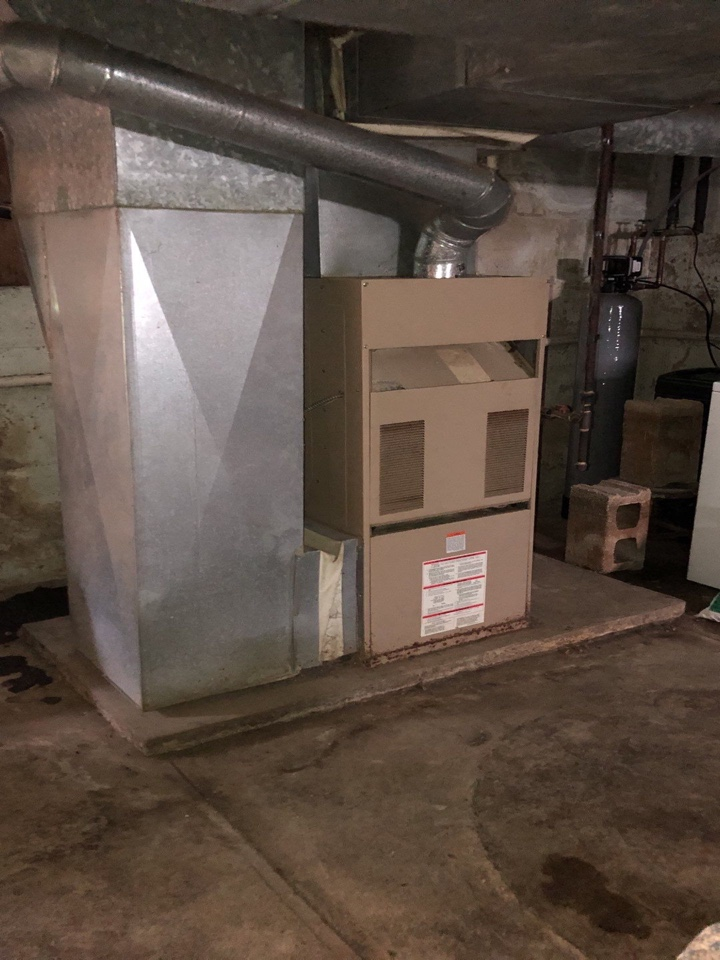 Lewisburg, OH - LUXAIRE furnace check.