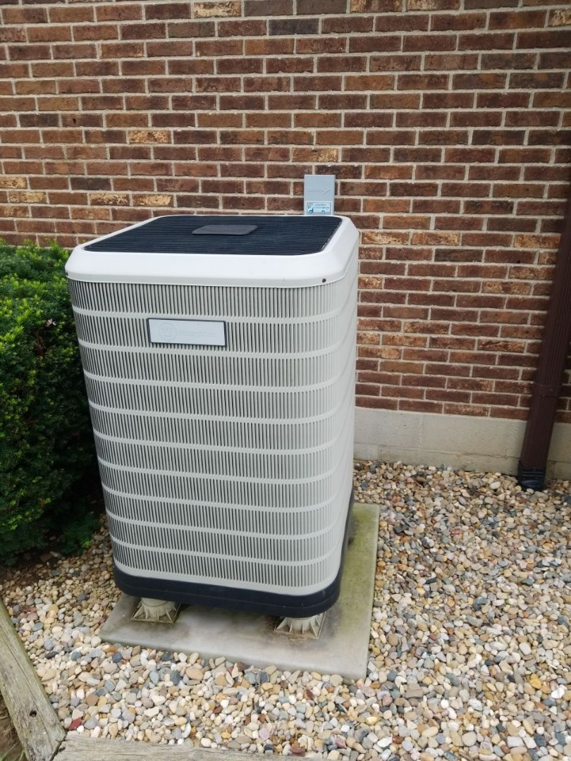 Brookville, OH - Tune up and service on Westinghouse heat pump