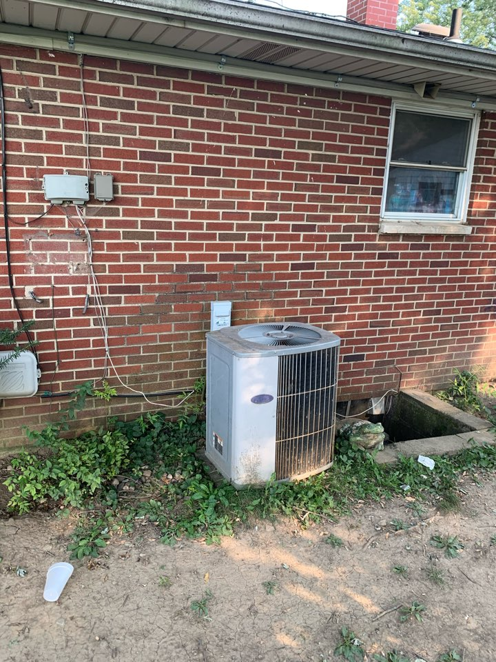 Springfield, OH - Service on carrier ac