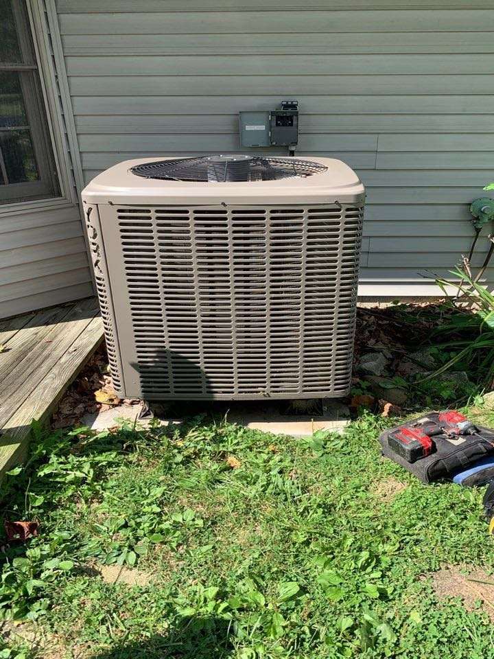 Eaton, OH - Performed fountain of youth service on Ac side of heatpump