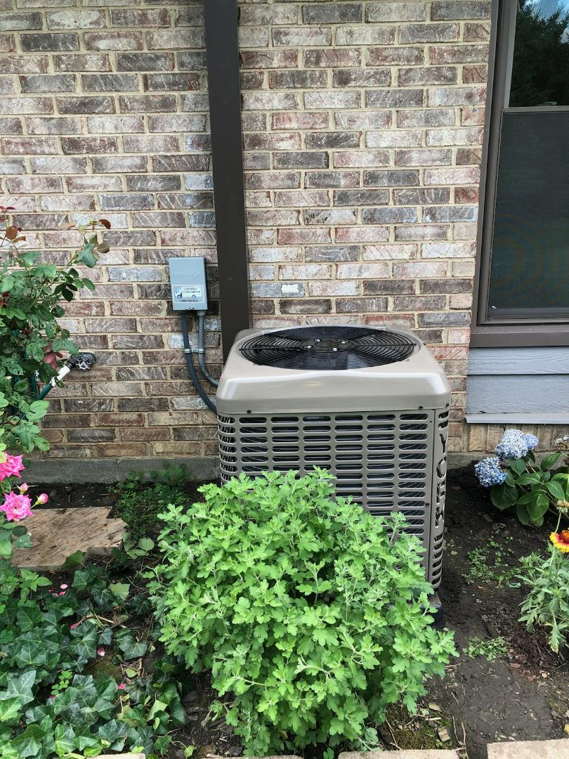 Springfield, OH - Installed new york air conditioner and duct cleaning