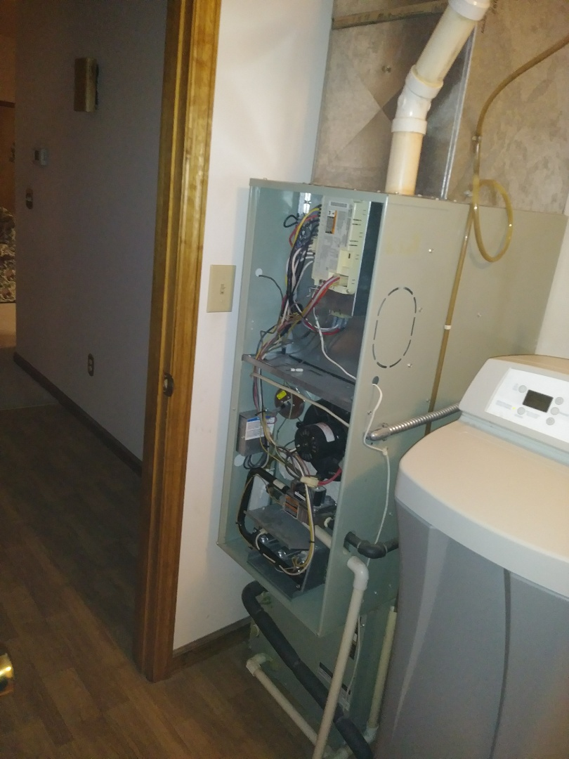 Eaton, OH - Changing out gas furnace and air cond..