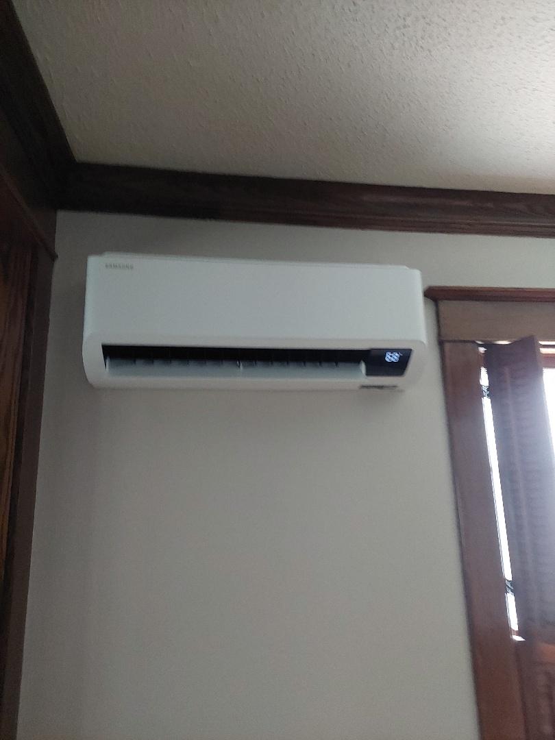 Plymouth, WI - Minisplit install