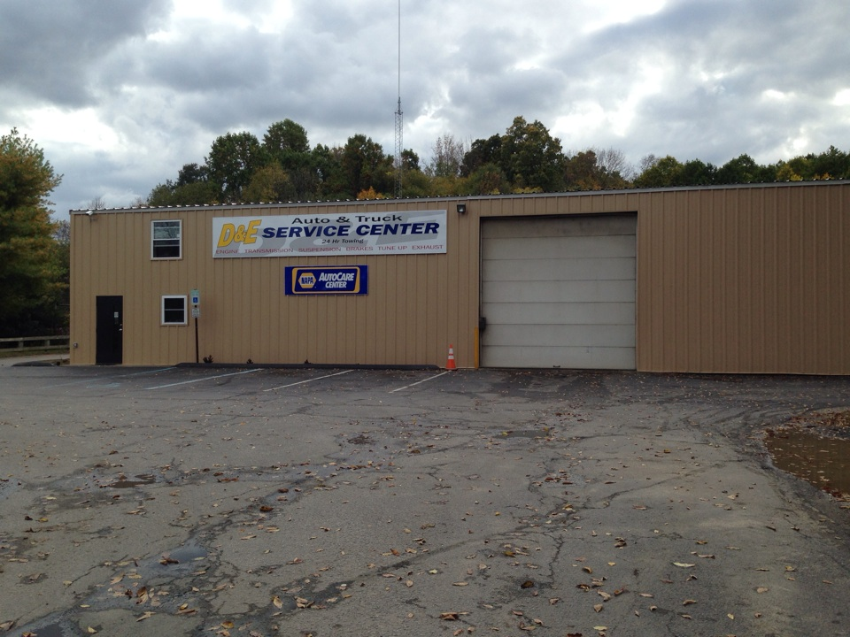 New look for D&E Service Center new metal siding and new metal roof installed