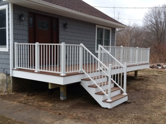 Trex deck color Treehouse with Trex white railing system