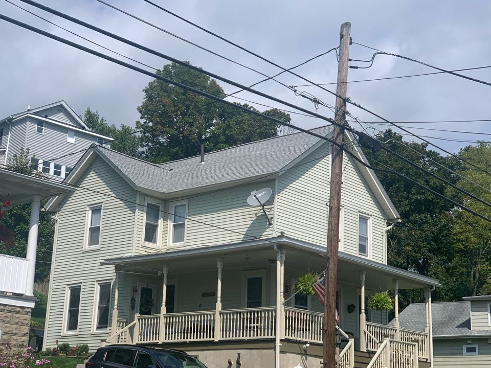 Newton, NJ - Completed Job in Newton, NJ. This house was re-done with GAF Timberline HDZ - Fox Hollow Grey Shingles.