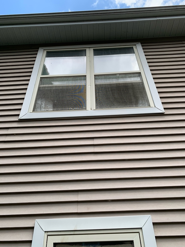 Madison, WI - Old tattered screens and failed seals in windows can really make the exterior of your home ugly! Replacing with new triple pane windows by Preservation for improved efficiency and beautiful curb appeal! Lifetime warranty on all parts and pieces!