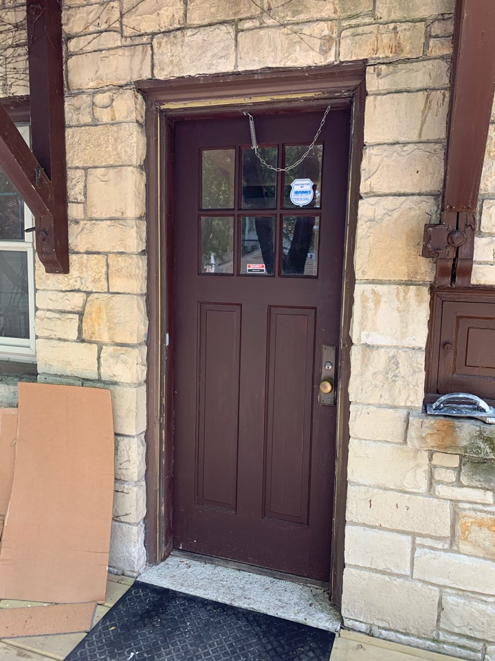 West Allis, WI - Looking at new Provia Entry doors for this beautiful West Allis home.