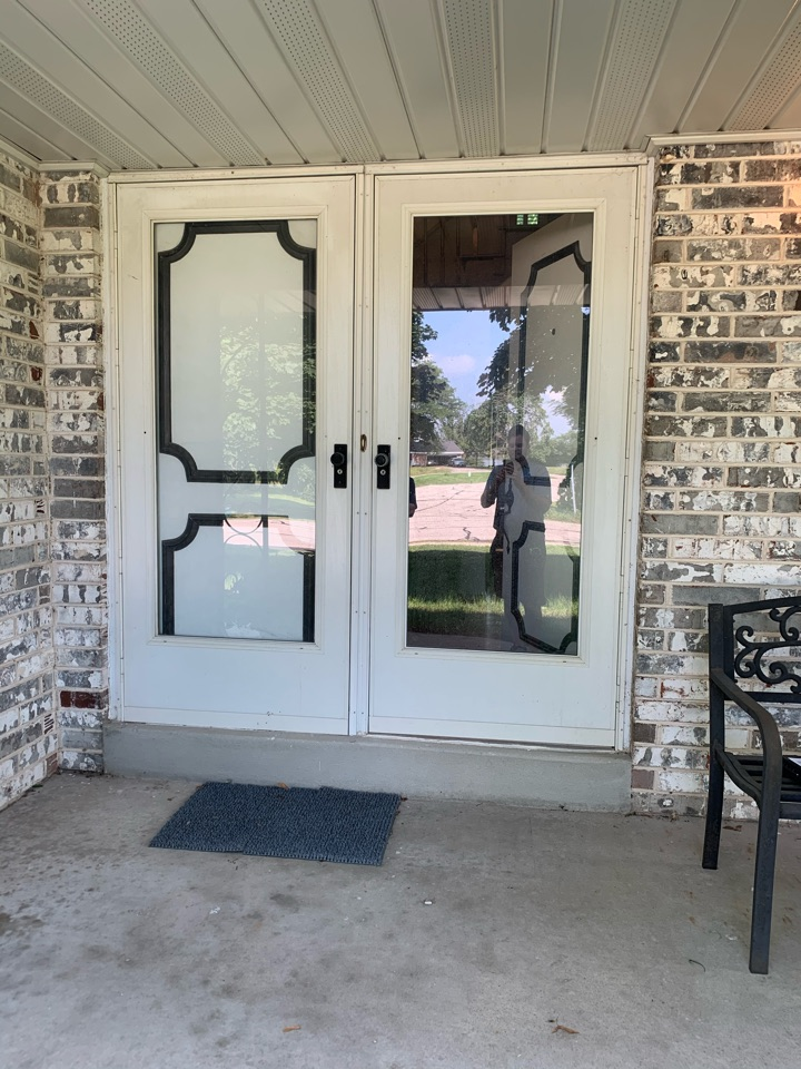 Mequon, WI - Checking out new Provia Signet entry doors in Mequon!