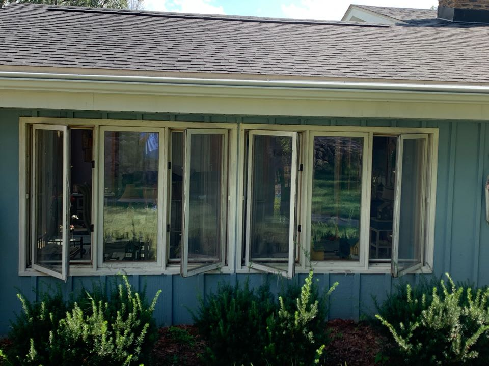 Pewaukee, WI - Checking out new Preservation triple pane Windows in Pewaukee!