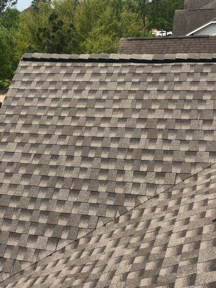 Rosharon, TX - GAF Timberline HDZ shingle with high profile Z Ridge. This customer chose to with an extended manufacturer Silver Pledge warranty for added protection and piece of mind. Call us today for your no cost estimate