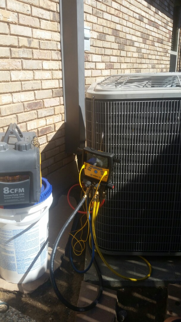 Bedford, TX - Pulled a vacuum on a heat pump for a customer in Bedford.