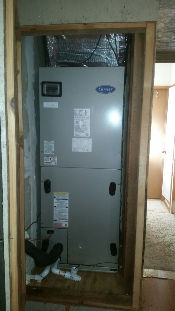 Granbury, TX - Installed 5 ton Carrier fan coil and condenser.
